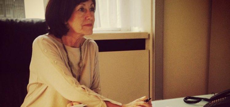 """""""De Block ne soutient pas les infirmières !"""" – Interview dans le Guide social"""